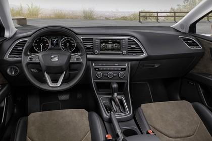 SEAT Leon X-PERIENCE 5F Innenansicht Vordersitze Armaturenbrett fahrerseitig