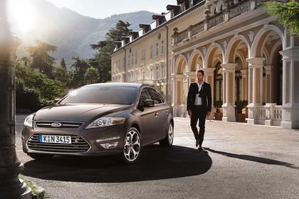 Ford Mondeo Mk4 Facelift Aussenansicht Front schräg statisch braun