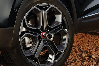 Renault Kadjar Aussenansicht Seite schräg statisch Detail Rad vorne links