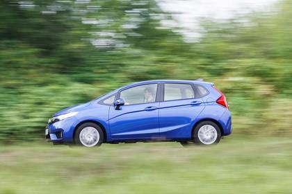 Honda Jazz GK Aussenansicht Seite schräg dynamisch blau