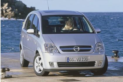 Opel Meriva A Aussenansicht Front statisch silber