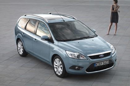 Ford Focus Turnier MK2 Aussenansicht Front schräg statisch blau