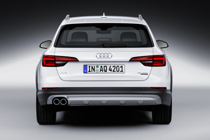 Audi A4 allroad quattro Aussenansicht Heck Studio statisch weiss