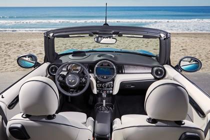 Mini Cabrio F57 Innenansicht statisch weiß