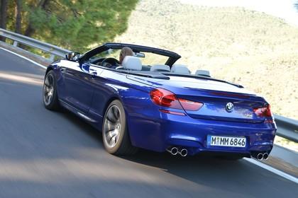 BMW M6 Cabrio F12 Heck schräg dynamisch blau
