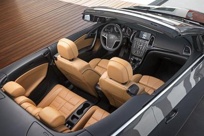 Opel Cascada Innenansicht Seite schräg erhöht statisch hellbraun