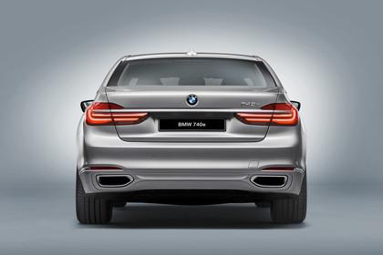 BMW 7er G11/G12 Aussenanansicht Heck Studio statisch silber