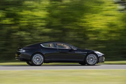 Aston Martin Rapide S Aussenansicht Seite schräg dynamisch schwarz