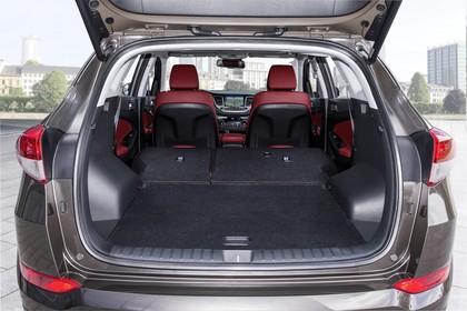 Hyundai Tucson TLE Innenansicht Detail statisch schwarz rot Kofferraum