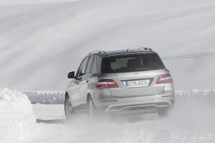 Mercedes M-Klasse W166 Aussenansicht Heck dynamisch silber