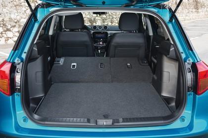 Suzuki Vitara 2 LY Innenansicht Kofferraum Rücksitze umgeklappt