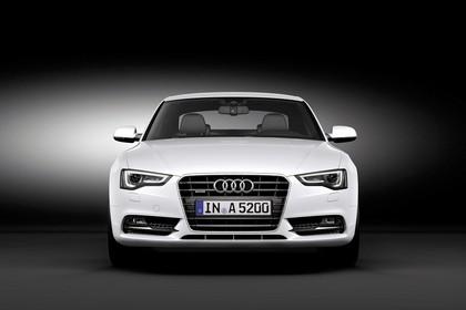 Audi A5 Coupe Facelift Aussenansicht Front statisch weiss