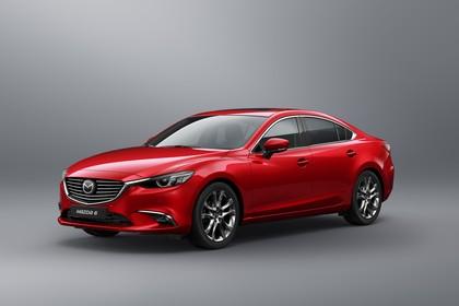 Mazda 6 Limousine GJ Aussenansicht Front schräg statisch Studio rot