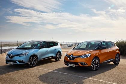 Renault Grand Scenic RFA Aussenansicht Front schräg statisch blau orange
