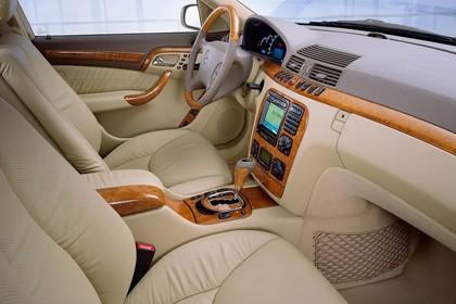 Mercedes S-Klasse W220 Innenansicht Beifahrerposition statisch beige braun