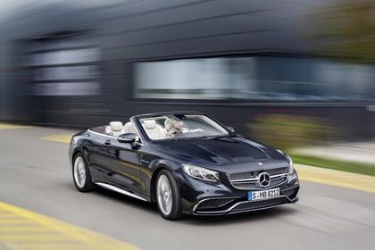 Mercedes-Benz S-Klasse Cabriolet A207 Aussenansicht Front schräg dynamisch dunkelblau