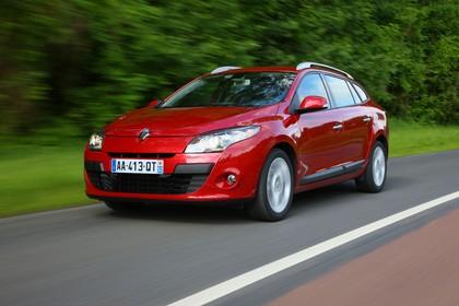 Renault Mégane Grandtourer Z Aussenansicht Front schräg dynamisch rot