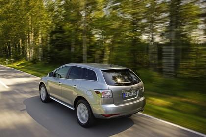 Mazda CX-7 Aussenansicht Heck schräg dynamisch silber