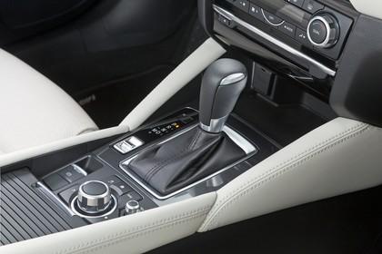 Mazda 6 Limousine GJ Innenansicht statisch Studio Detail Mittelkonsole