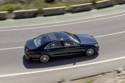 Mercedes-Benz S 350 BlueTEC Seite schräg erhöht dynamisch schwarz