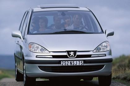 Peugeot 807 E Aussenansicht Front schräg statisch silber