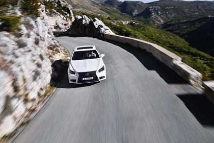 Lexus LS XF40 Aussenansicht Front erhöht dynamisch weiss