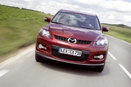Mazda CX-7 Aussenansicht Front dynamisch rot