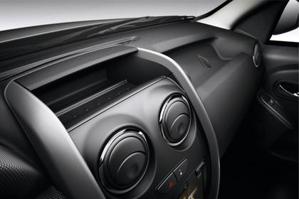 Dacia Duster SD Innenansicht statisch Studio Armaturenbrett