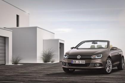 VW Eos 1F Facelift Aussenansicht Front schräg staisch silber