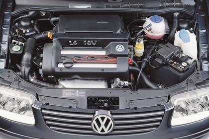 VW Polo 3 Dreitürer 6N Facelift Aussenansicht statisch Detail Motor