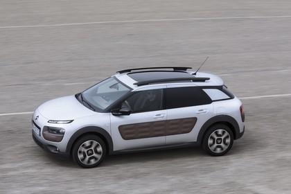 Citroën C4 Cactus Aussenansicht Seite schräg erhöht statisch weiss