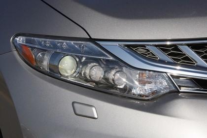 Nissan Murano Z51 Aussenansicht Detail Scheinwerfer statisch grau