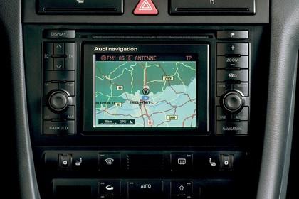Audi A6 Avant C5 Innenansicht statisch Studio Navigationsbildschrim