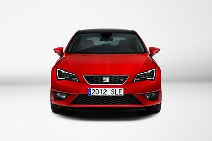 SEAT Leon 5F Front statisch studio rot