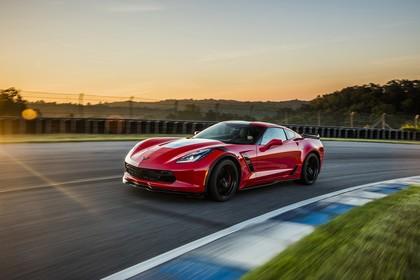 Chevrolet Corvette Grand Sport Coupé Aussenansicht Front schräg dynamisch rot