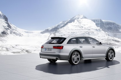 Audi A6 C7 Allroad Aussenansicht Heck schräg statisch silber
