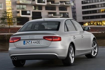 Audi A4 B8 Aussenansicht Heck statisch silber