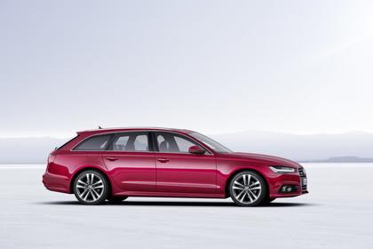 Audi A6 C7 Avant Aussenansicht Seite statisch rot
