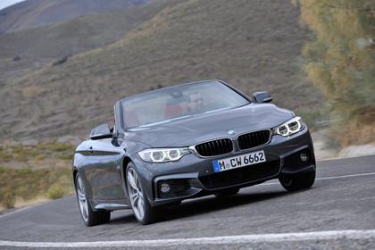 BMW 4er Cabrio F33 Aussenansicht Front statisch grau