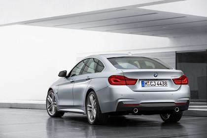 BMW 4er Gran Coupe F36 Aussenansicht Heck schräg statisch silber