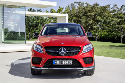 Mercedes-AMG GLE Coupé C292 Aussenansicht Front statisch rot