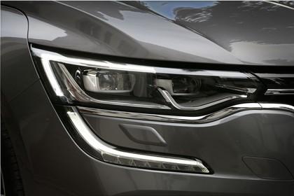 Renault Talisman RFD Aussenansicht Front schräg statisch Detail Scheinwerfer rechts grau