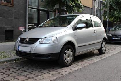 VW Fox 5Z Aussenansicht Front schräg statisch silber