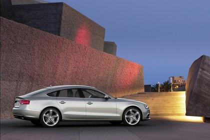 Audi A5 Sportback Aussenansicht Seite statisch silber