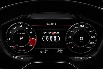 Audi TT RS 8S Roadster Innenansicht Detail digitales Kombiinstrument statisch schwarz