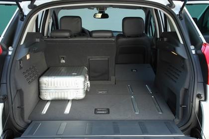 Peugeot 3008 Innenansicht Kofferraum geöffnet statisch grau