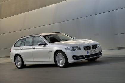 BMW 5er Touring F11 Aussenansicht Front schräg dynamisch champagner