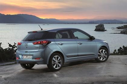 Hyundai i20 GB Aussenansicht Heck schräg statisch grau