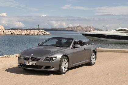 BMW 6er Cabriolet E64 Aussenansicht Front schräg statisch grau