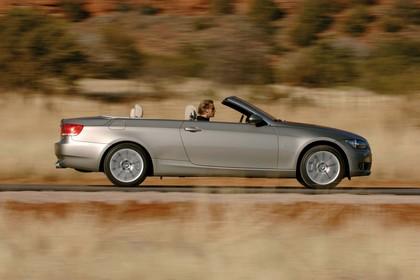 BMW 3er Cabriolet Aussenansicht Seite dynamisch beige